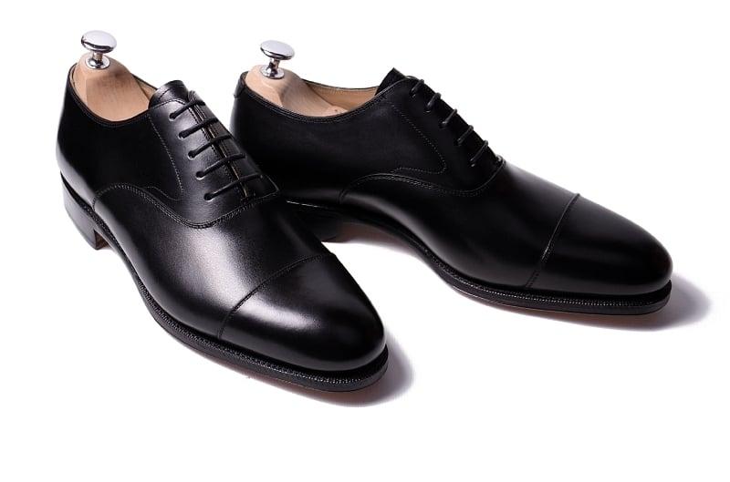 black plain toe oxford