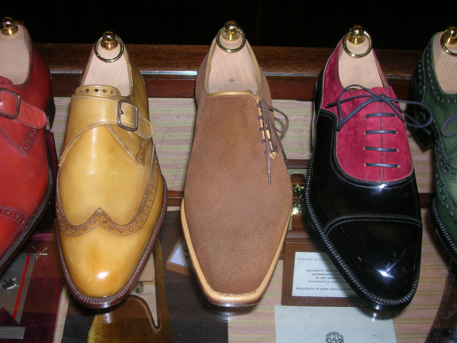 Happy Holidays! The Shoe Snob Blog